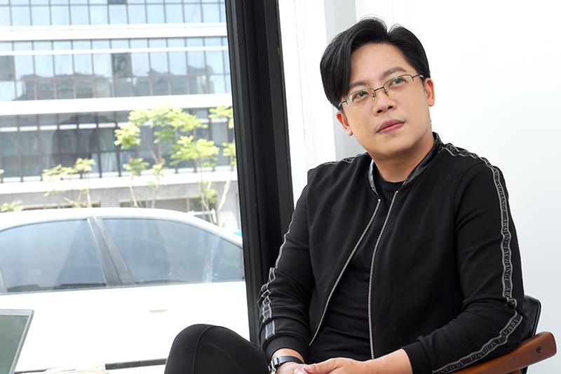 陳熙之說,讓他愛上玩車一途的是業界知名已故編輯「車狂」趙大川先生。