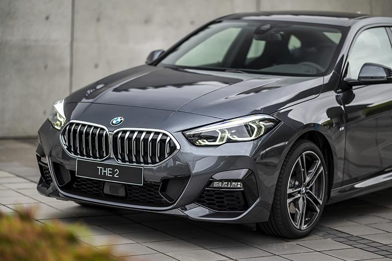 全新BMW 218i Gran Coupe M Sport本已低扁帥氣,配上M款空力套件更顯跑車本格。