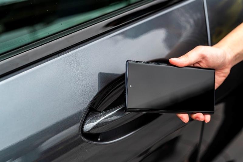除智慧Comfort Access免鑰匙系統外,還有手機數位鑰匙可以選擇,提供多元且極度方便的嶄新體驗。