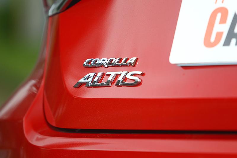 這車標既然可以是連續19年銷售冠軍、最受家庭喜愛房車或國民神車,當然也可以代表一款熱血帥車。