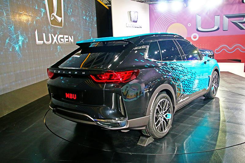 對照MBU概念車之後,你會發現其實與偽裝車相去不算太遠。