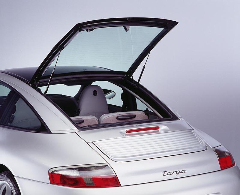 996世代起911 Targa的後窗也可獨立開啟。