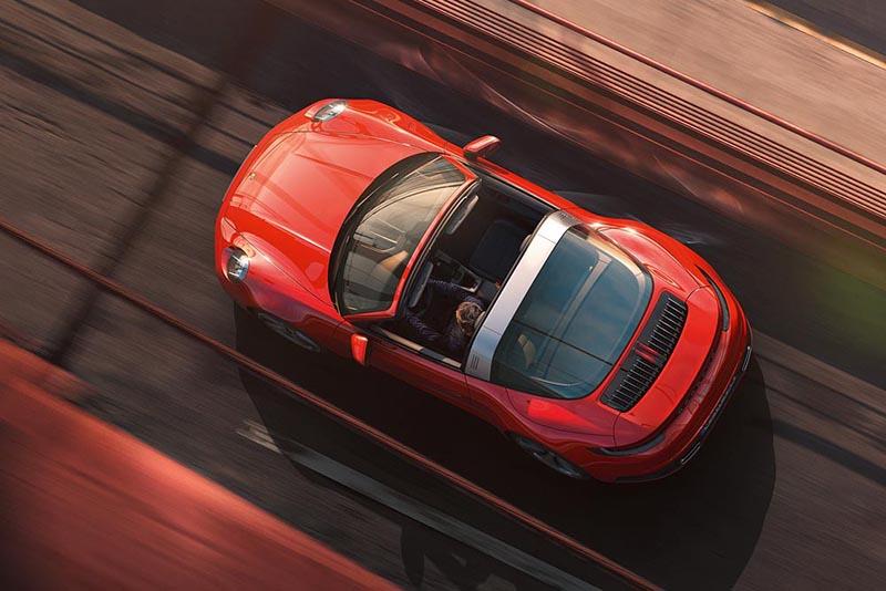 於我而言新世代的911 Targa有點尷尬,因為這機構確實不輕,對於這類高性能跑車來說難免構成負擔。
