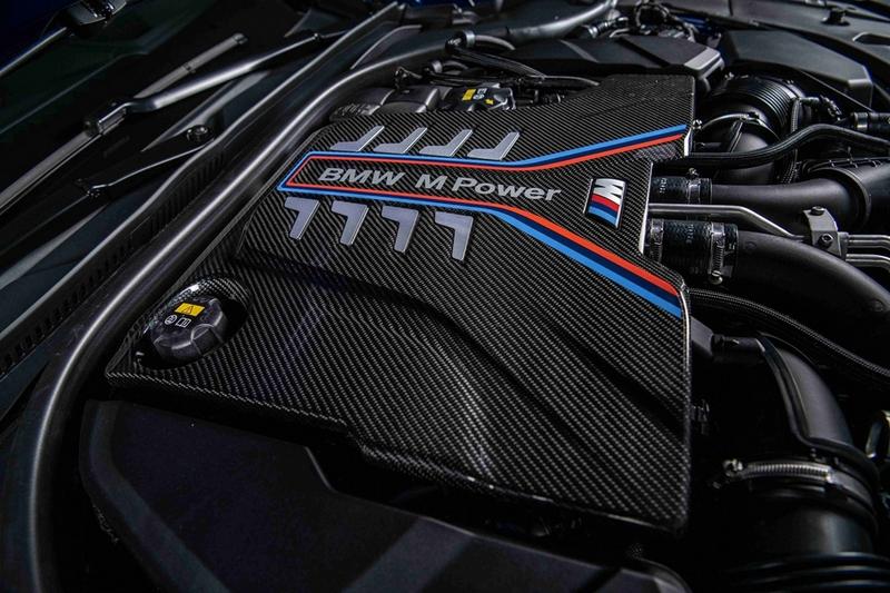 4.4升V8渦輪引擎,擁有600匹最大馬力與750牛頓米,0到100 km/h加速僅需3.3秒。
