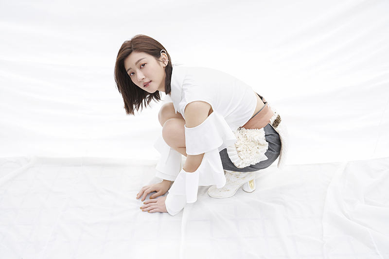 林逸欣晉升EP製作人,短髮造型曝光。