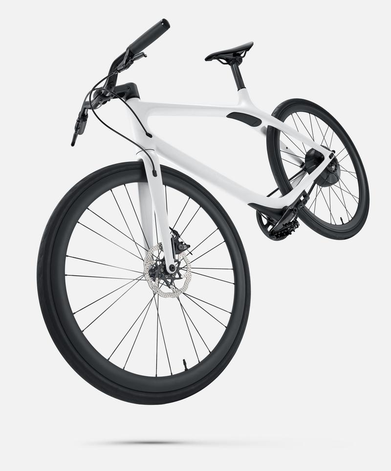 Gogoro發表了最新電動自行車Eeyo,高達11萬元的售價讓它引起不小話題,但其實很多相似規格的高端自行車也是差不多價格。