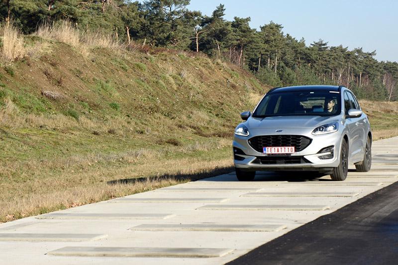 震動噪音測試道以各種不同的路面,測試車輛的車身板金以及飾板結構對於路噪異音的耐受程度