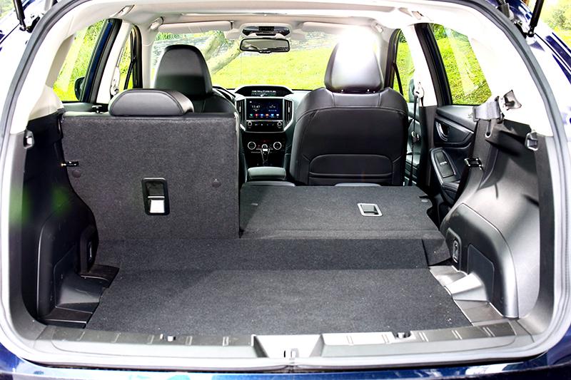 行李廂擁有385~835公升機能變化。