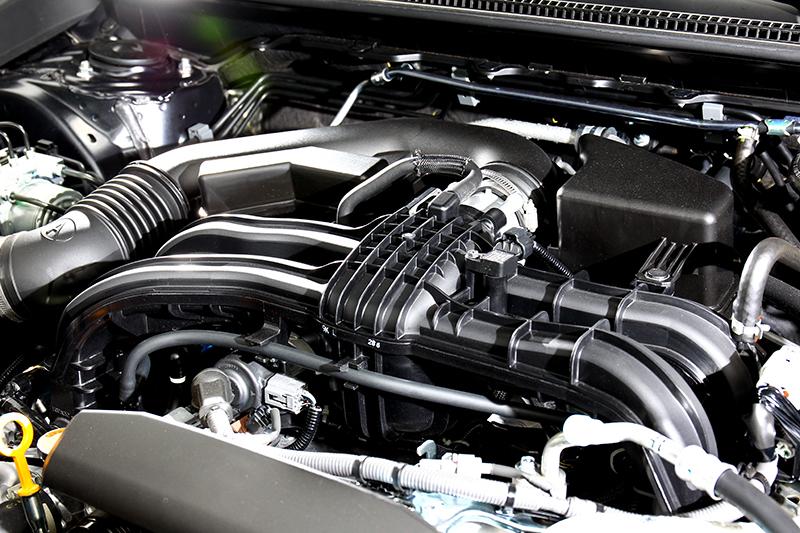 1.6升自然進汽引擎僅有實用的114hp/15.3kgm輸出。