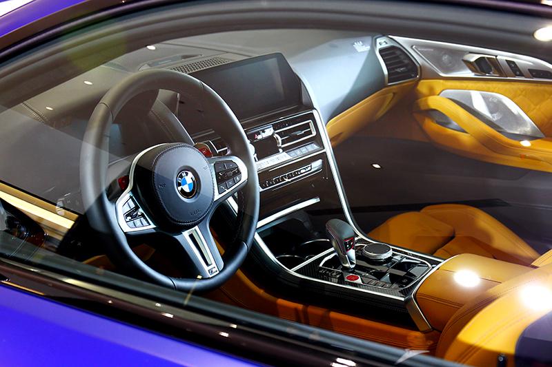 雖是最強性能車型,但M8與M8 Gran Coupe座艙仍給予豪華質感鋪陳。