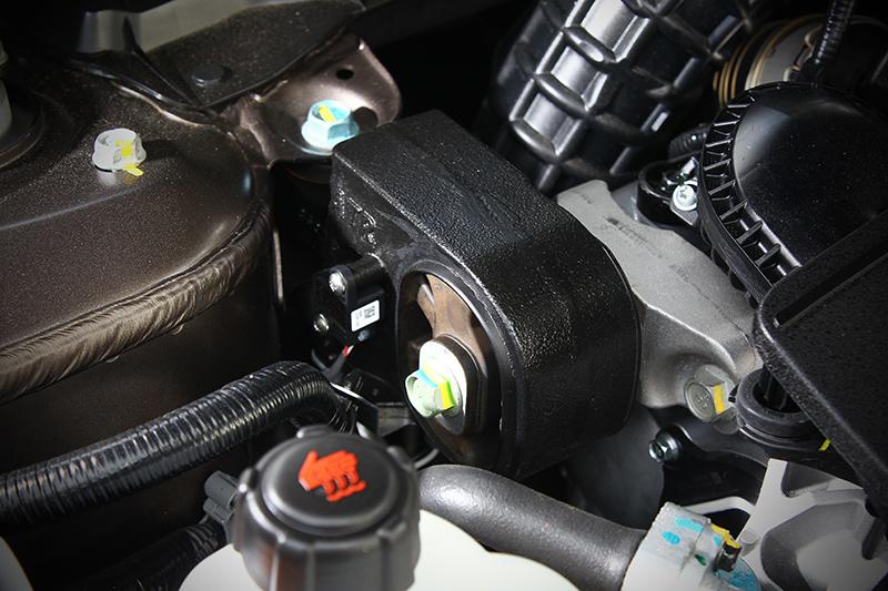主動式引擎腳能夠吸收更多震動,成就座艙舒適感受。