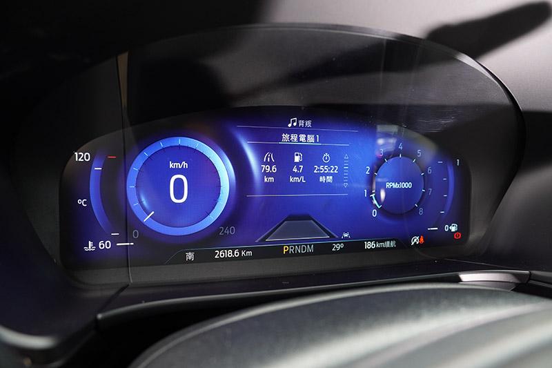 全新的12.3吋數位儀錶板是目前同級車中僅見的。