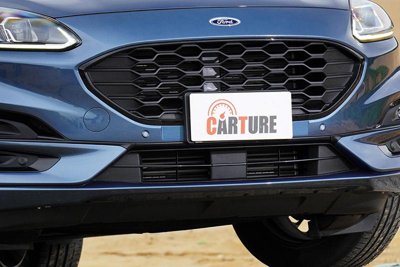 新Kuga還配有同級車僅見的AGS可變式進氣啟閉系統,可在不同狀態下,調節進氣狀況,達到更好地空氣效應,加上更流線的外型,風阻係數僅cd 0.33m