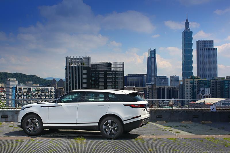 將優雅、奢華、曠野與品味想像合而為一,就是眼前的Range Rover Velar。