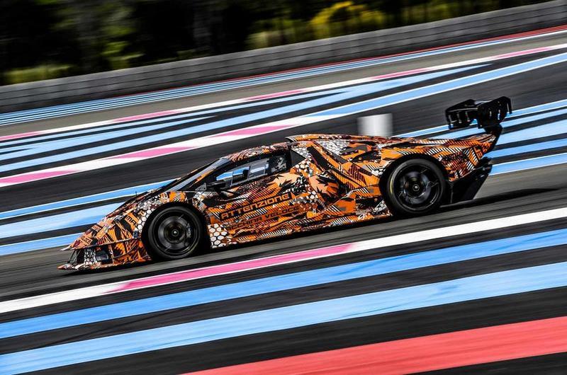 Lamborghini終於公布賽車SCV12樣貌,但依舊還是批覆著偽裝。