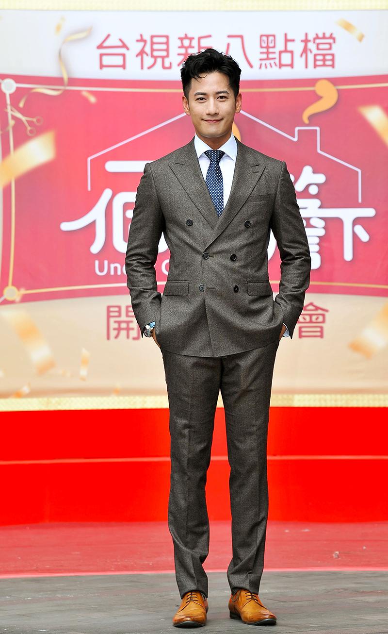 《一個屋簷下》主要演員周孝安。