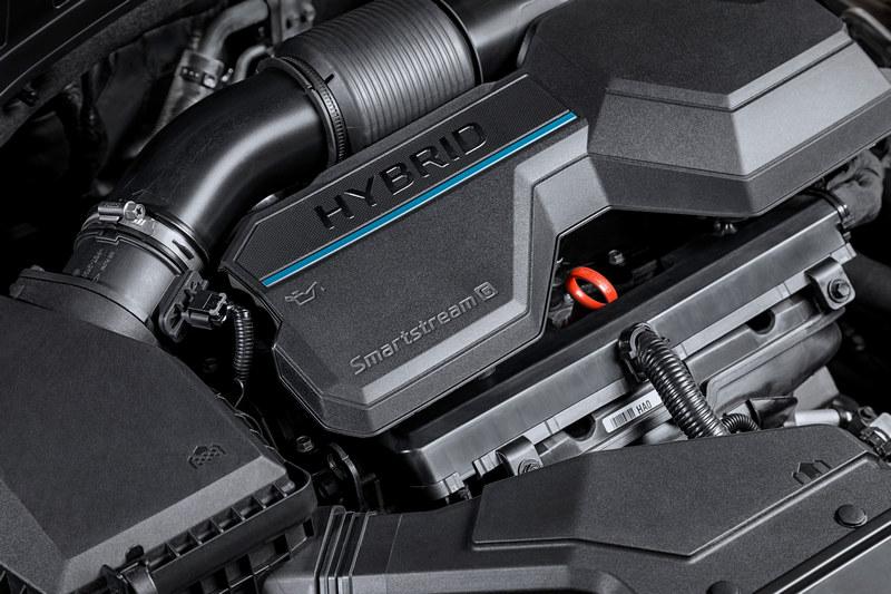 Santa Fe 1.6升油電分別是230hp/35.7kgm Hybrid與265hp/35.7kgm的PHEV。