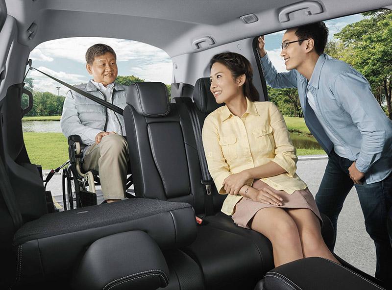 URX 5+1樂活款大幅增加高齡與行動不便者乘車的便利性,將讓有需求的家庭,有更多時間與機會陪伴家中長者,照顧行動不便者也更方便。
