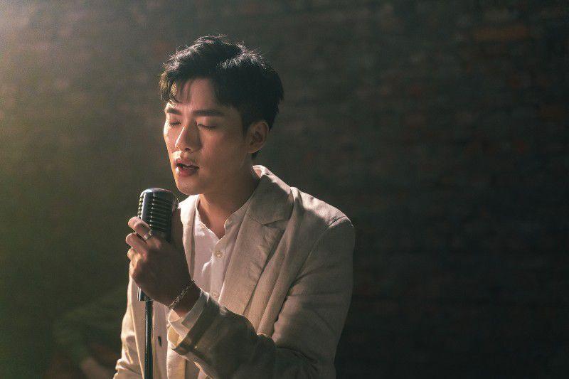 李唯楓推新曲《螢光》重返歌壇