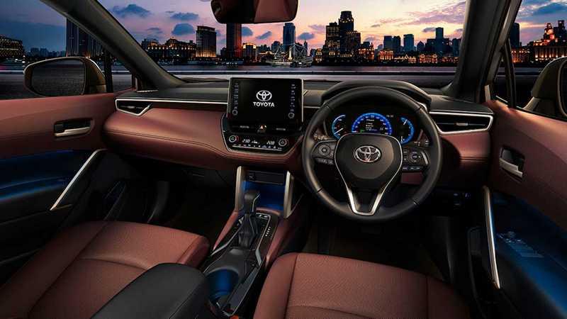 在新世代家族風格鋪陳下,Corolla Cross座艙有著與Altis相近的格局。