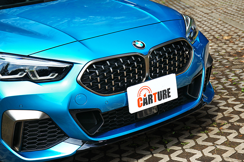 M Sport空力套件與鈰灰色飾板,散發出強烈的跑車氣勢。
