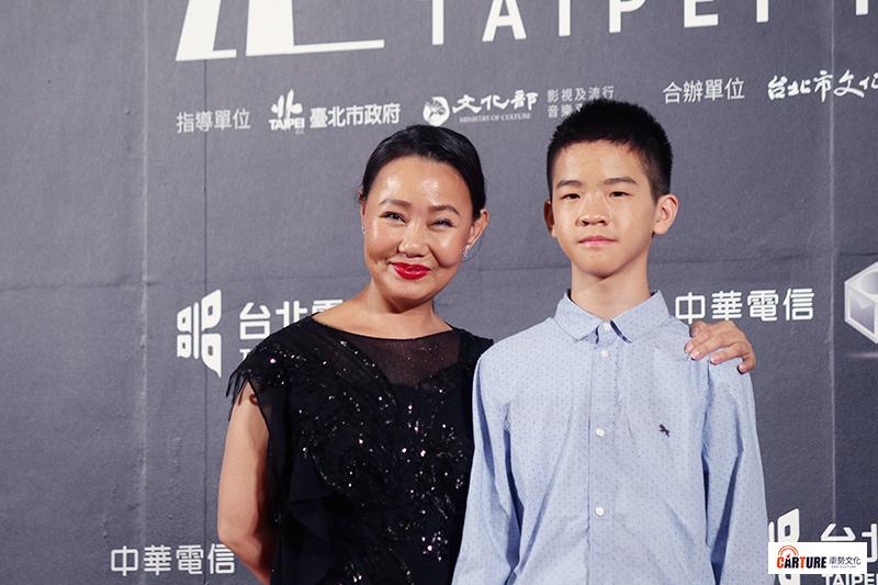 呂美鳳(左起)、李英銓出席2020台北電影節。