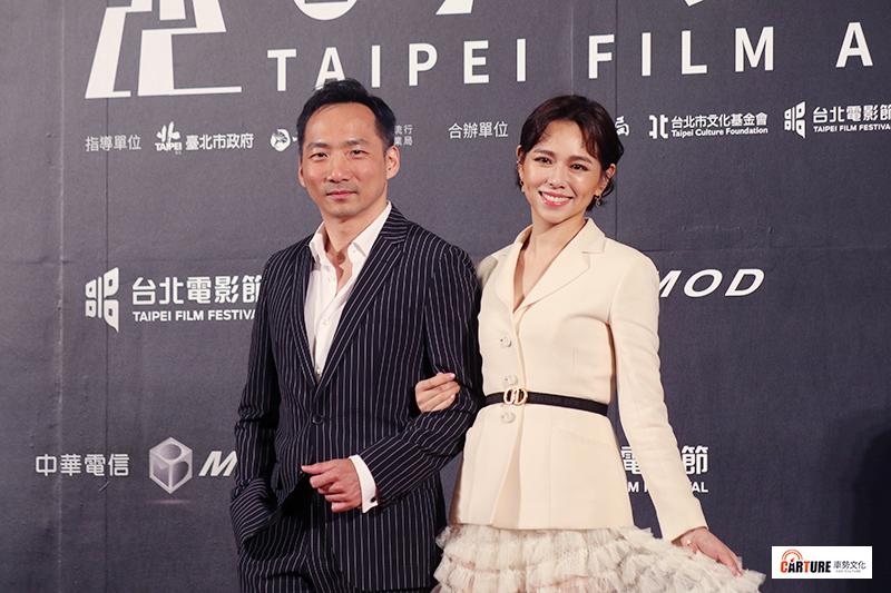五月天石頭(左起)、夏于喬出席2020台北電影節。