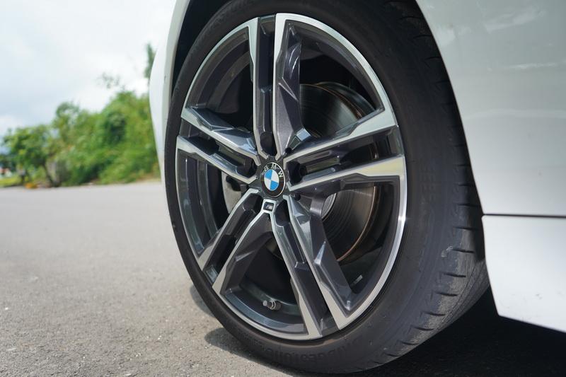 搭載M Sport的版本輪圈也同時換上了M款式樣