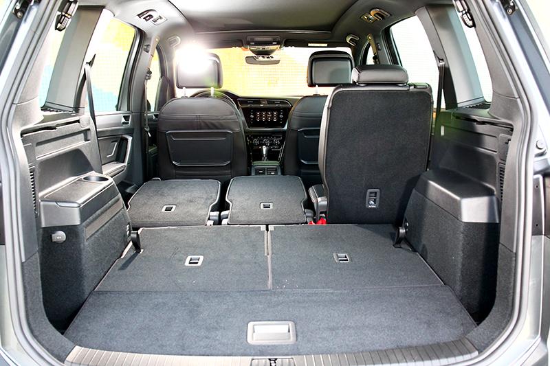 行李廂有著137公升(七人座)/917公升(五人座)/1857公升(後座倒放)使用空間。