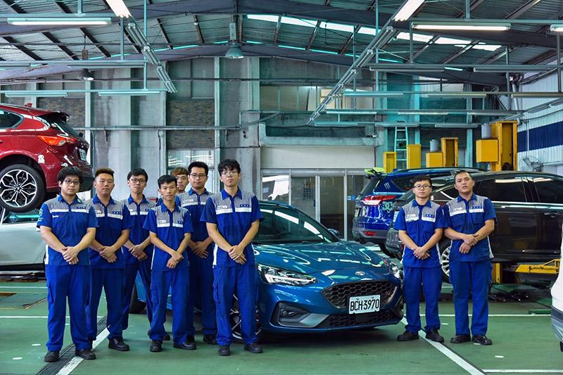 Ford各地經銷商夥伴的專業技師,有許多都是從學生實習時期便配合,這些實習學生對於Ford品牌的理解與情感認同度也更為深入。