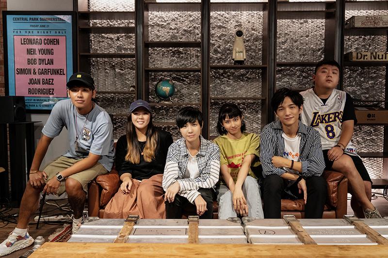 《白日夢遊》演唱會(左起)鼓鼓、魚乾、小魏、李芷婷、黃奕儒、小納豆。