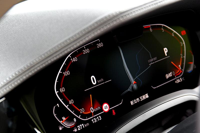 12.3吋數位儀表與10.25吋中控螢幕為標準配備。