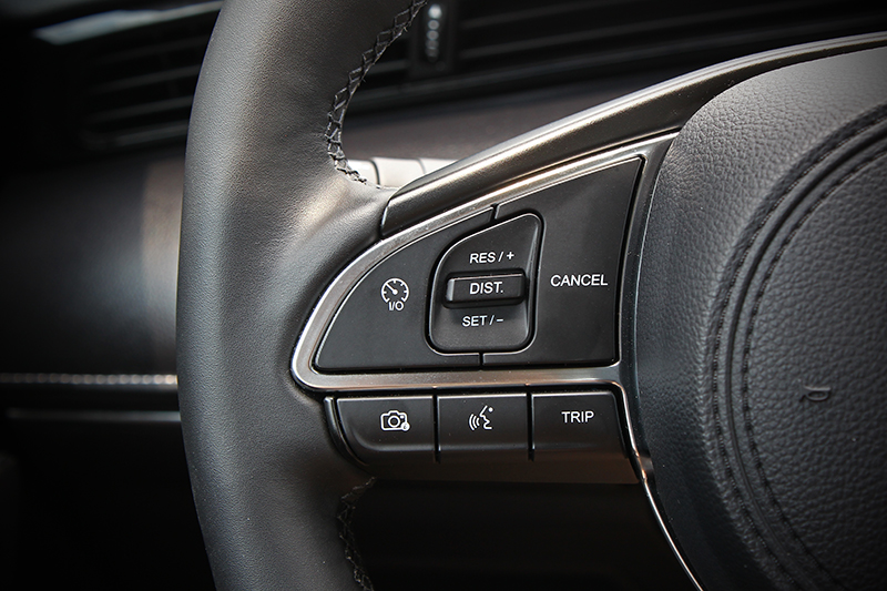 ADAS駕駛輔助系統諸如ACC車距定速或AEB主動煞車輔助也是標準配備。