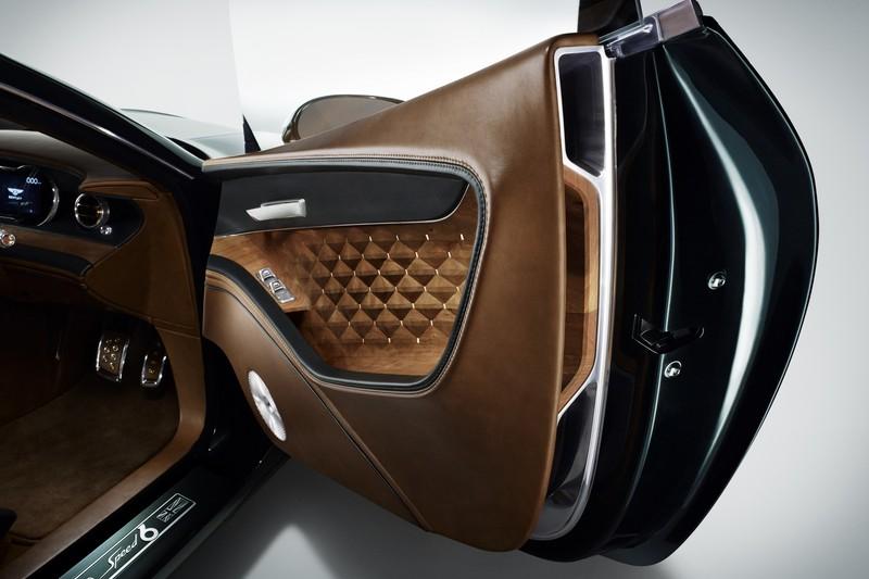 Bentley首創的3D實木飾板早在2015年的EXP 10 Speed 6概念車就已運用。