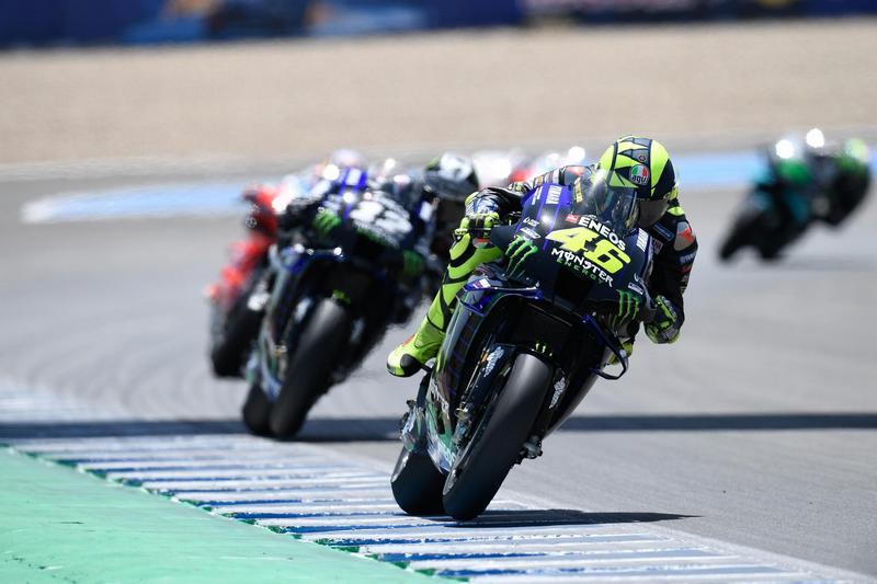 Rossi整場都表現出色,一直都維持至第二第三位置。