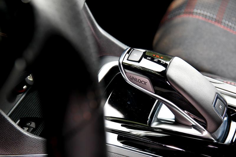 八速手自排具有平順及敏捷特性。