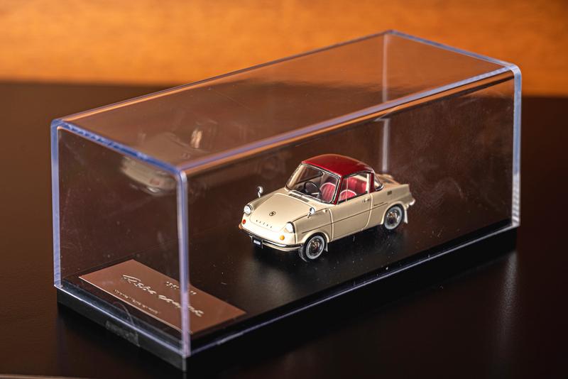 訂購100週年紀念車款的消費者,可獲得限量專屬交車禮R360 Coupe經典模型車。