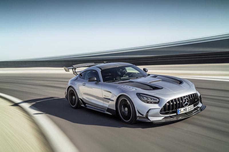 長得很兇的Mercedes-AMG GT Black Series,性能數據依當前標準,不算太好。