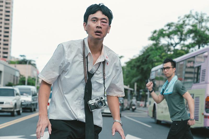 劉冠廷在《消失的情人節》中飾演公車司機,是唯一一個在靜止時空下可以活動的人。