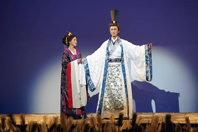 音樂劇《賽貂蟬》演員(左起)卓文萱、林俊逸。/全民大劇團提供