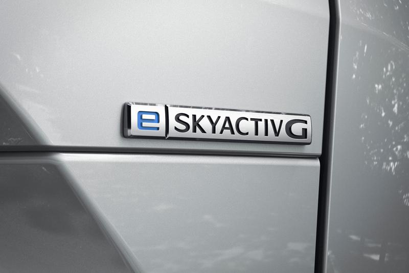 Mazda在2020 Automobile Council活動展出e-Skyactiv輕油電系統MX-30。