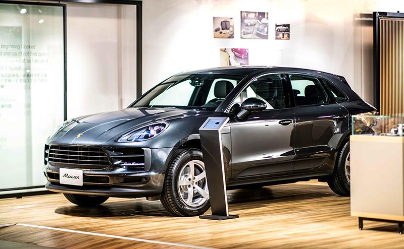隨著Porsche NOW全新型態概念店開幕,加上Porsche Studio都會概念店與桃園保時捷展示中心,保時捷為桃園地區提供全方位且多元的展銷據點,滿足不同消費者的生活型態。