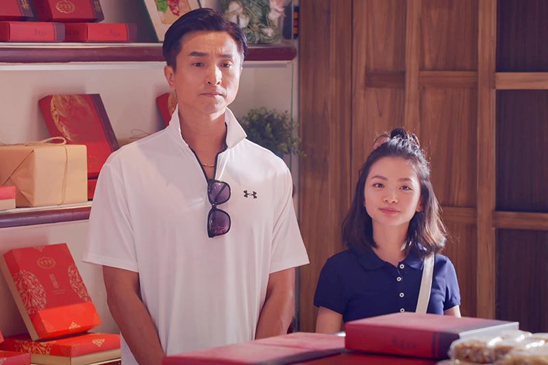 《我的婆婆怎麼那麼可愛》劇中王少偉(左起)搬出女兒詹宛儒詐騙全村。