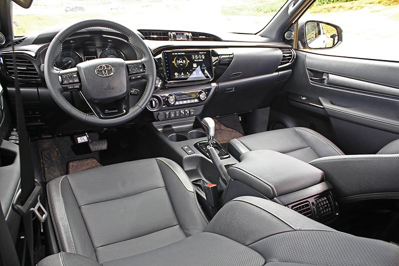 座艙內可不輸外觀,包括座椅、飾板、機能與配置都獲得了進化。