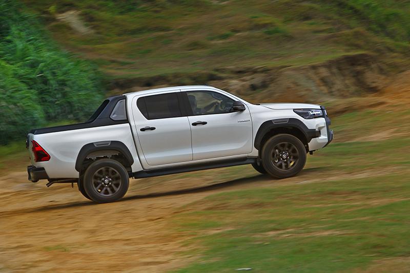 小改款後更帥也更厲害的Hilux售價調整為145萬元,目標直指Ranger運動型而來。