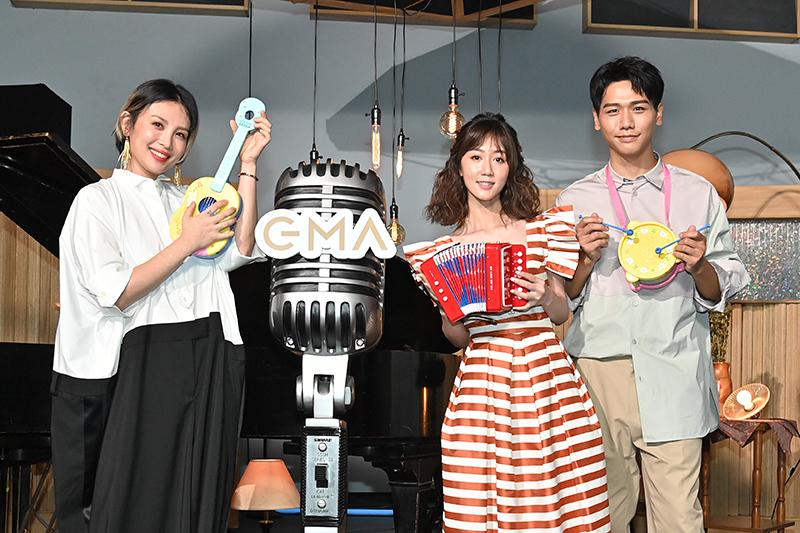 《第31屆金曲獎》主持人魏如萱(左起)、星光大道主持人瑪麗、蔡旻佑。/台視提供