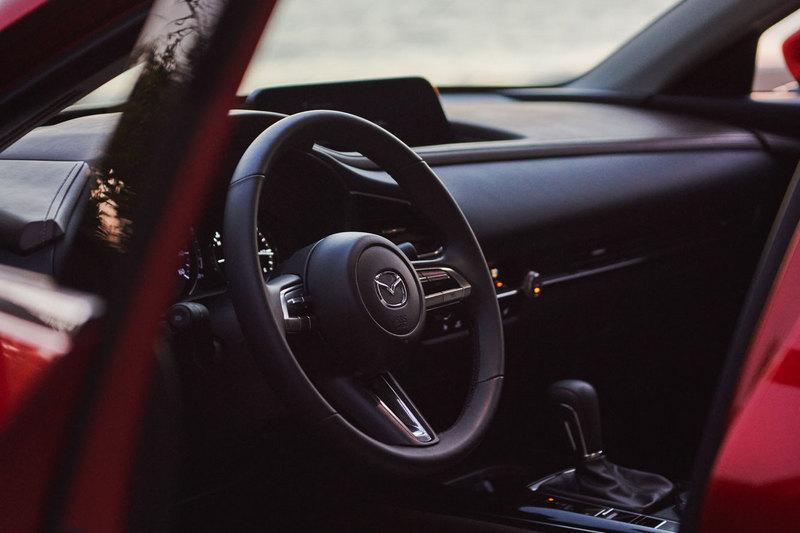 消息指出CX-30渦輪車型售價會來到3萬1至3萬5美元之間,配備也會因此有所增加。