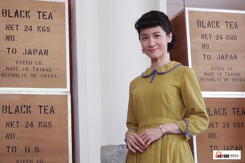 客語時代生活劇《茶金》演員連俞涵為戲學習鋼琴,被老師稱讚有天分。