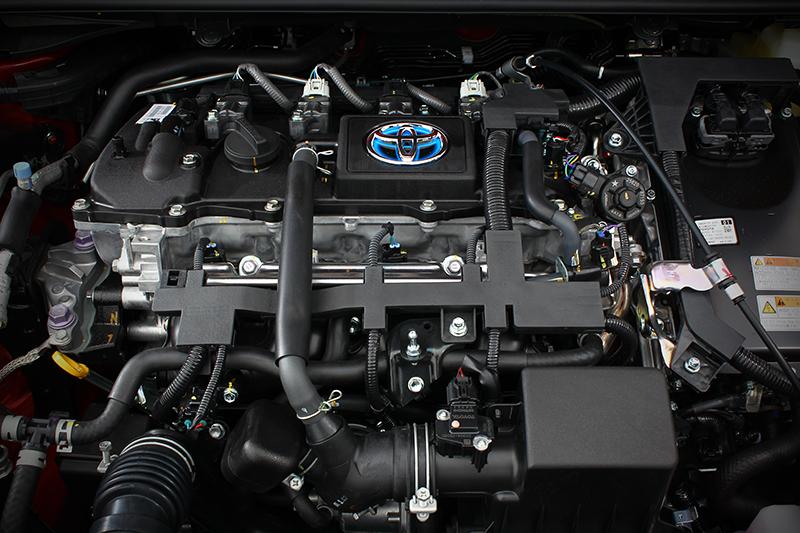 這是Corolla Altis的1.8 Hybrid引擎,但Corolla Cross的大概也長這樣子...