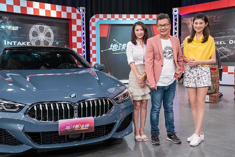 沈玉琳跟芽芽帶著新車上《地球黃金線》節目。